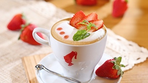 Preview wallpaper cappuccino, foam, strawberry, sweet