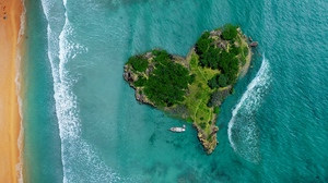 Preview wallpaper heart, island, ocean, view from above