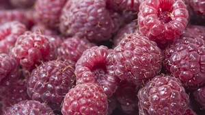 Preview wallpaper berry, food, raspberry, ripe, sweet