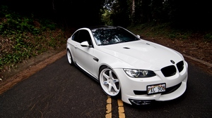 Preview wallpaper bmw, coupe, e92, hood, m3, markings, road, white