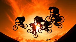 Preview wallpaper cyclists, sky, sun, sunset