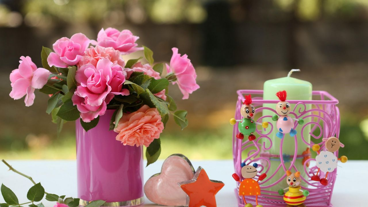 candles star vase heart flowers roses toys