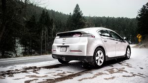 Preview wallpaper chevrolet, chevrolet volt, side view, snow, snowfall