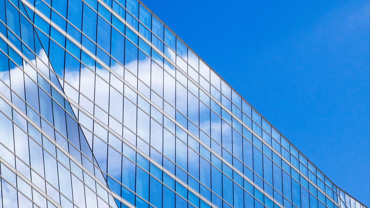 clouds minimalism building sky reflection