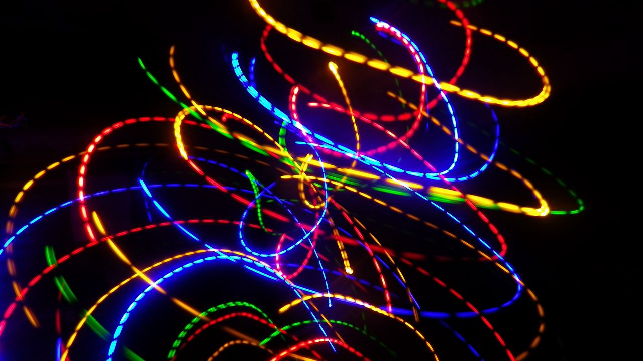 long exposure freezelight abstraction light colorful lines